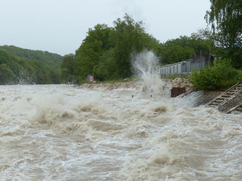 田舎 土砂崩れ 水害